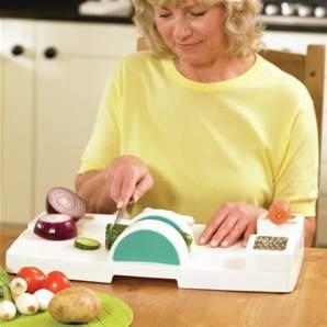 aides techniques au repas pour personne g e handicap e. Black Bedroom Furniture Sets. Home Design Ideas